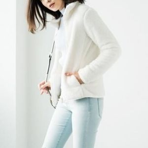 🔴 3 for $25! Uniqlo Fluffy Yarn Fleece jacket
